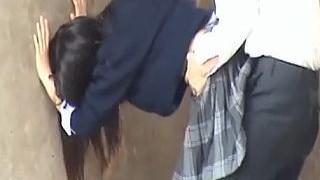 【盗撮】河川敷を散歩してたら下校途中の学生どもが野外セックスしておった♪