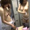 【盗撮】仕事を終えて更衣室で入念なボディケアに勤しむ美乳半裸ナースたち♪