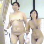 【盗撮】熟女マニアはフル勃起確定な健康ランドの女子風呂大漁全裸祭り風景♪