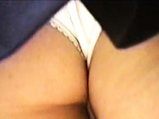 【盗撮】幼尻に喰い込む純白パンティーがチラチラ拝める放課後の街角女子校生たち♪