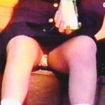 【盗撮】ちょい昔ルーズソックスを穿いた女子校生たちはパンチラ遊びも密かな楽しみだった件♪