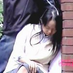 【盗撮】受験勉強の疲れで寝オチしてる制服女子校生に汚汁ぶっかけサービスしてるヤ~ツ♪
