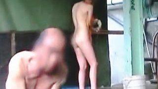 【盗撮】地元のオッサンしか利用しない混浴露天風呂に入浴しちゃったチャレンジャーな女子♪