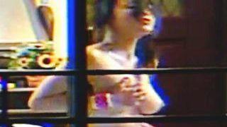 【盗撮】カーテンをフルオープンで破廉恥なオナニーを晒しちゃってるドスケベ女子♪