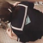 【盗撮】学校の女子トイレでオシッコしてるところをクラスメイトにガチ撮りされたJKたち♪