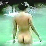 【盗撮動画】小娘たちにはない妖艶な肉感を醸し出してる淑女たちの露天風呂全裸絶景♪