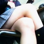 【盗撮】バイト禁止になってる女子校生はクラスメイトのパンチラ撮りで結構稼いでるらしい件♪