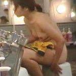【盗撮】カメラが向いてる洗い場に座ったばっかりに男たちのオナネタになったツイてない女湯女子♪
