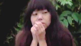 【盗撮動画】突然アナルを外気に晒されるミラクルな体験に驚きながらもエッチな余韻に浸る女の子♪