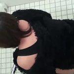 【閲覧注意】女子トイレの極秘調査では3人に2人は余裕でアナルセックスができる極太ウンコしてる件♪