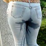 【盗撮】公園で電話しながらジーンズびちょびちょにしてる優先順位を間違ってるお漏らしギャル♪