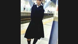【盗撮】素顔をコッソリ撮られパンティーも強制的に撮られてたガチ女子校生の日常風景♪