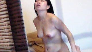 【盗撮】一人暮らしを始めたばかりの女子が職場の先輩と一夜限りのセックス!を同僚が隠し撮り♪