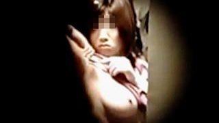 【盗撮】一人暮らしの女子の大半は部屋にいる時は裸族として覗きカモンな生活をしている件♪
