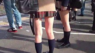 【盗撮】ファッションは建前で本音はパンチラ観られたくて疼いてるミニスカ女子たちをスカメク撮り♪