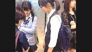 【盗撮】ナウな女子校生たちの最先端のパンチラ事情をリサーチしてる下着メーカーの開発部員♪
