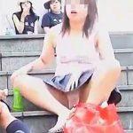 【盗撮】休日に街に出かけるとパンチラアピール娘に必ず遭遇するのでカメラは欠かせない件♪
