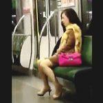 【盗撮】電車内でなにやら逝き喘ぎまくってる通報レベルの変態女子が撮影されて晒されてますた♪