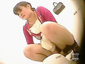 【閲覧注意】イチジク浣腸メーカーは女子トイレに試供品を置いて密かに臨床試験を行ってる件♪