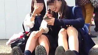 【盗撮】公園で開催されるイベントでは女子校生たちのパンチライベントも同時開催されてる件♪