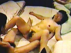 【無修正】熟年不倫カップル御用達のレトロなラブホテルでは熟練のセックスが繰り広げられてますた♪