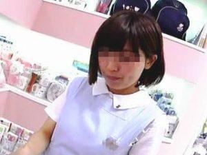 【盗撮】メルヘンチックでアニメ声のショップ店員さんは想定内のパンティ穿いてるか検証した結果♪
