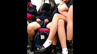 【盗撮】電車内でオヤジたちの視線をかき集めるクソだらしない女子校生たちを観察した結果♪