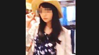 【盗撮】ショッピング中の女子力高めな女の子を逆さ撮りしたらいろいろ訳アリな感じだった件♪