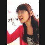 【盗撮動画】周囲に人がいるのにエスカレーターで素人女子たちをスカメク撮りしてる強心臓の撮り師♪