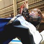 【盗撮】駅のホームでガードがユルそうでユルくないスマホマスク女子との熾烈な逆さ撮り攻防戦♪