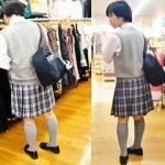 【盗撮動画】まるで絵に書いたような清純女子校生を逆さ撮りしてスカートの中身を記録しますた♪