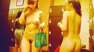 【盗撮】スーパー銭湯の女風呂に女性従業員を潜入させて利用状況を確認してる神経質な施設長♪