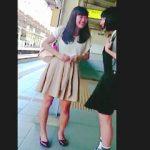 【盗撮動画】「パンチラ観られたい」フェロモン放出してる女子のリクエストに応えて逆さ撮り♪