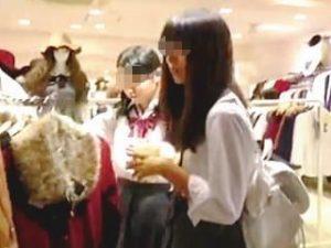 【盗撮】予定はなかったのにユルそうな女子校生たちがいて急遽撮った家族サービス中の撮り師♪
