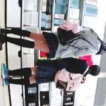 【盗撮動画】毎日逆さ撮りターゲットにされてるのに毎回パンチラ撮られてる仲良しJK二人組♪