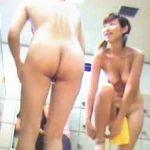 【盗撮動画】全裸自慢の女子率が多い近所の健康ランド女湯脱衣所に女撮り師をリリースした結果♪