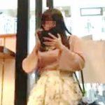 【盗撮】スマホ中毒の女の子は下半身が無警戒なので追跡パンチラ撮りも撮り放題な件♪