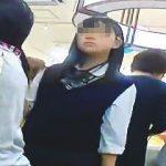 【盗撮動画】撮り師の不審な動きを察知してそうな制服JKに敢えて逆さ撮りアタックした結果♪