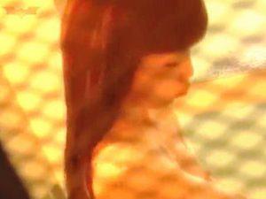 【盗撮】防犯対策万全なお風呂の窓なのに全開にして覗き放題の撮り放題にしてる天然女子♪