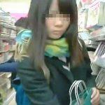 【盗撮】イケイケのミニスカJKより現実的なガチ女子校生の無垢なパンチラが好きならコレ♪