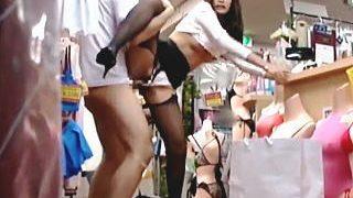 【盗撮】黒ストでお色気ムンムンな水着専門店の店員さんがお客と店内立ちバックで激イキ♪