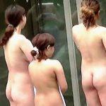 【盗撮動画】バッチリメイクで露天風呂にやって来たギャルグループは意外にガードが堅い件♪