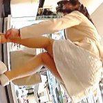 【盗撮動画】これはスケベ過ぎる!ノーパンも疑われる靴屋で見かけた女子をぜひ確認してくだされ♪