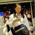 【盗撮動画】お買い物中の女子校生たちをガチで逆さ撮りして生パンチラを捕獲しまくる撮り師♪