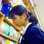 【盗撮動画】書店に行けば必ず存在してるガチ素人JKたちのレアなパンチラのリアルなインパクト♪
