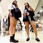 【盗撮】大好物の制服女子校生たちにズンズン追ってグイグイ迫って大興奮のパンチラ捕獲♪