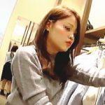 【盗撮動画】キャバ系にスカウトしたい色っぽい店員さんのパンチラ頂いたのでお買い物もしますた♪