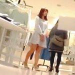 【盗撮動画】セレクトショップで働くエッチな美脚がソソる上玉店員さんのエロ過ぎるパンチラ♪