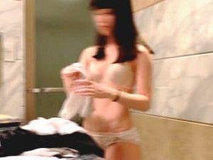 【盗撮】ビジネスホテルで働く撮り師の目的はもちろん宿泊女子の裸を隠し撮りすることのみ♪