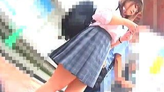 【盗撮動画】撮り師と触り師がタッグを組んだ痴漢コンビに潮吹かされたバス通学の女子校生♪